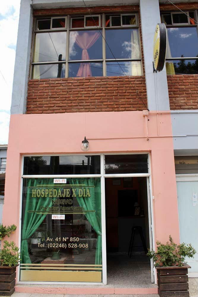 Recepcion y Salon Comun – Alquiler por dia en Santa Teresita – Vacaciones Hostal Habitaciones (3)