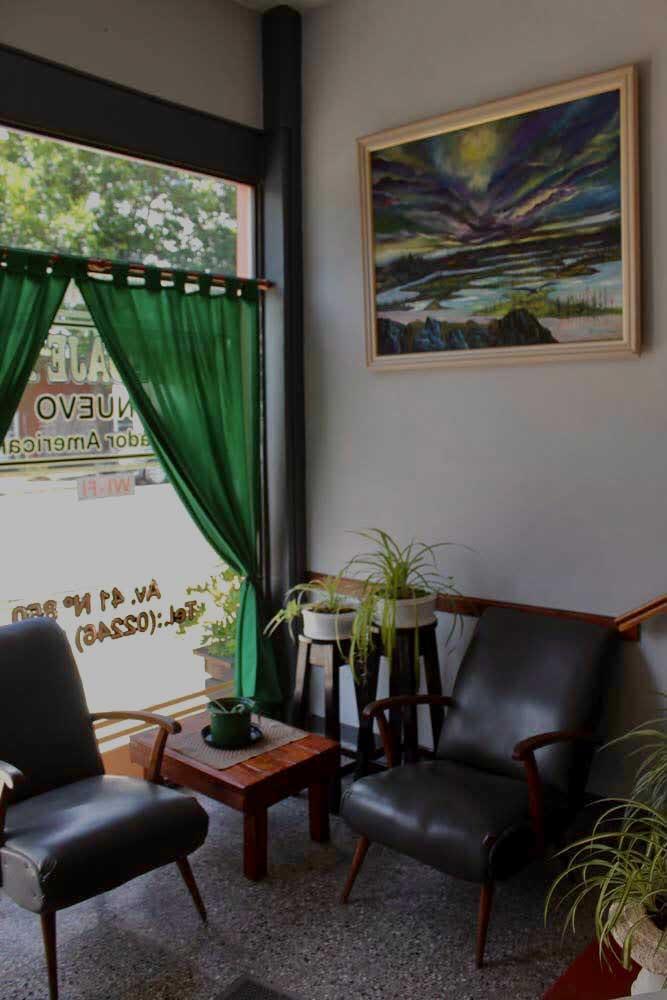 Recepcion-y-Salon-Comun—Alquiler-por-dia-en-Santa-Teresita—Vacaciones-Hostal-Habitaciones-(6)